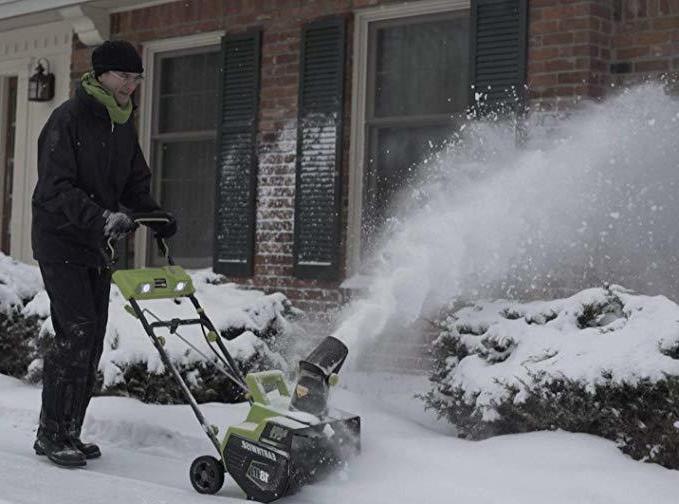 Cordless Electric Snow Spotlights sidewalk driveway plow