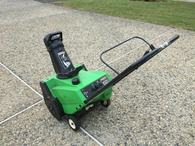 NEW GREENWORKS  13 AMP 20 in. ELECTRIC SNOW BLOWER THROWER 2